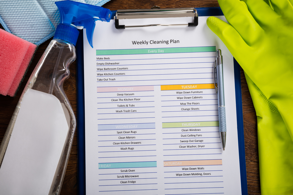 How to Make a Cleaning Schedule for Your Apartment