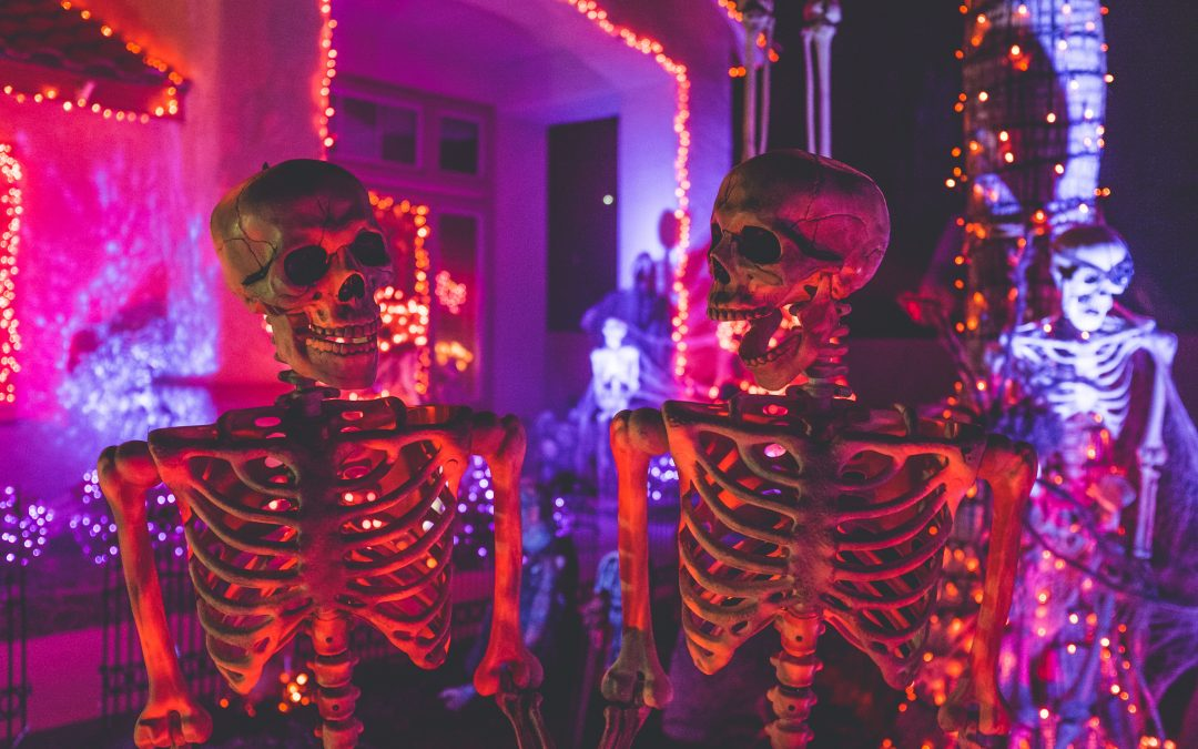 How to Throw a Halloween Party in Your Apartment